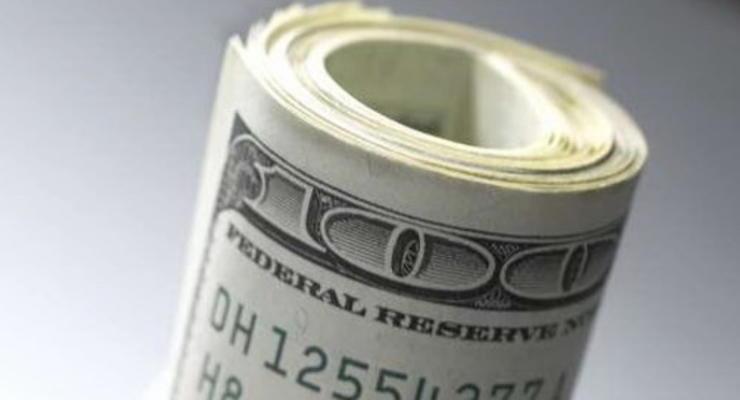 На межбанке доллар незначительно вырос
