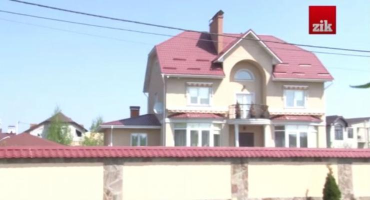 Журналисты обнаружили элитный поселок киевских чиновников