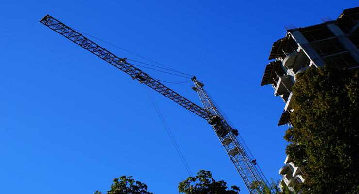 Анализ рынка недвижимости: плюсы и минусы новостроек за чертой города
