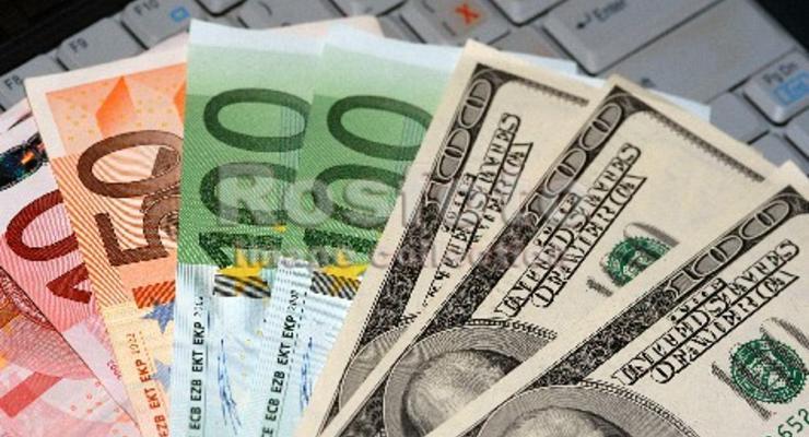 Межбанк открылся долларом по 15,96