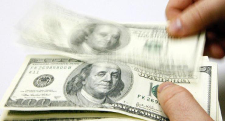 Межбанк открылся долларом по 15,72 грн