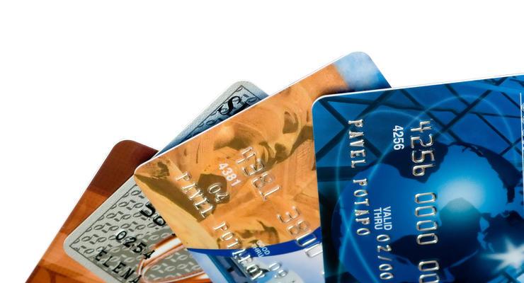 Пользователи платежных карт все больше доверяют безналичной форме расчетов