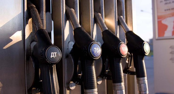 Сколько стоит заправиться бензином и дизтопливом (25.10.2011)