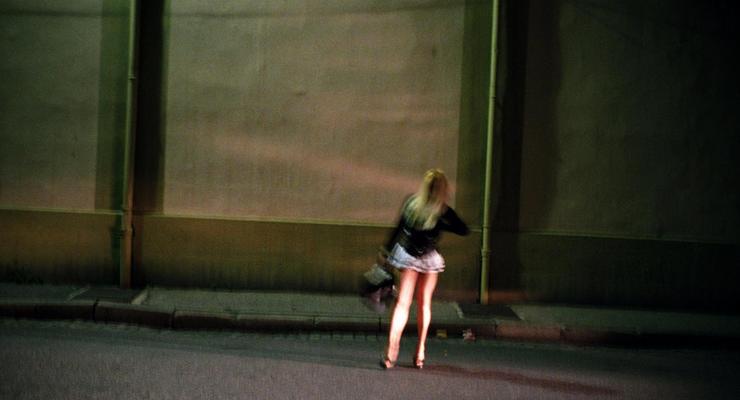 Каждый пятый украинский студент готов заниматься проституцией