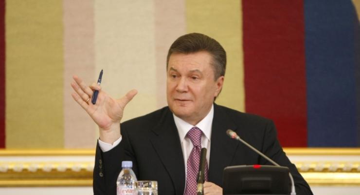 Янукович взял в советники врача-психиатра