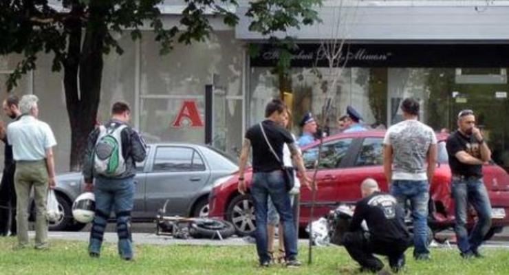 В Киеве разбился байкер