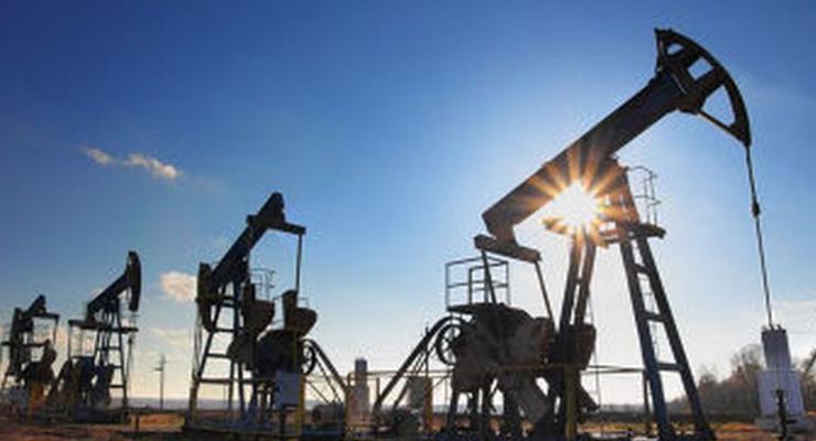 Ряд стран ОПЕК и РФ заморозят добычу нефти на уровне 11 января