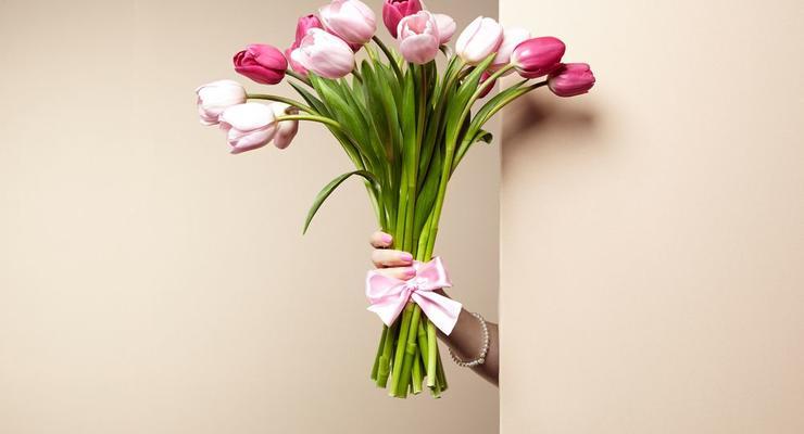 Цветы, шоколад или SPA: во сколько мужчинам обойдется 8 марта