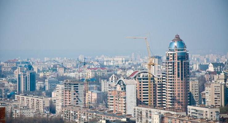 В Киеве в три раза снизился налог на землю под многоквартирными домами