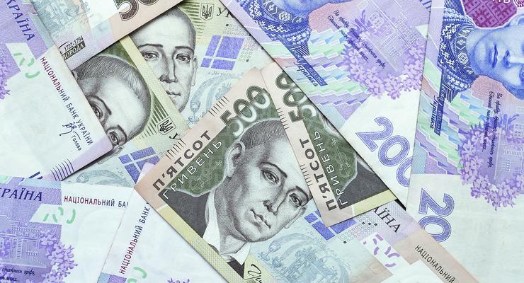 Курс гривни на межбанке укрепился