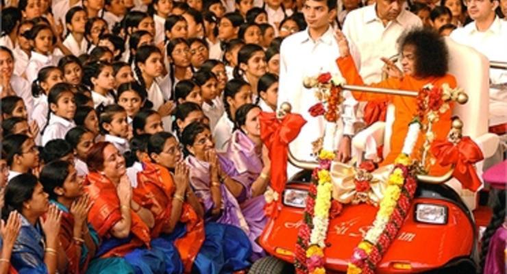Сколько зарабатывают индийские духовные лидеры