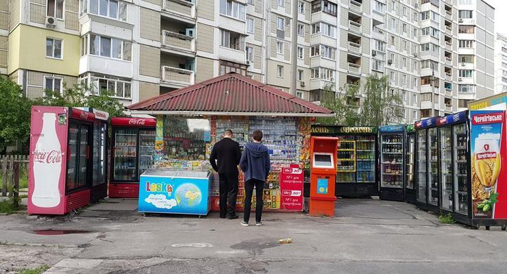 Большой бизнес: В Киеве нашли МАФ с 11 холодильниками
