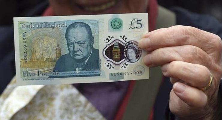 В Англии осенью появятся банкноты из пластика