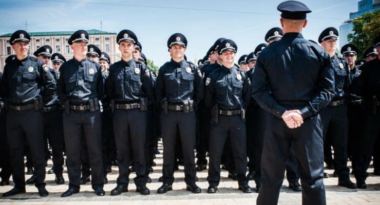 Аваков рассказал, сколько будут зарабатывать участковые и следователи