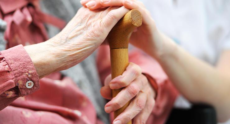 В обмен на транш: Ожидать ли украинцам повышения пенсионного возраста