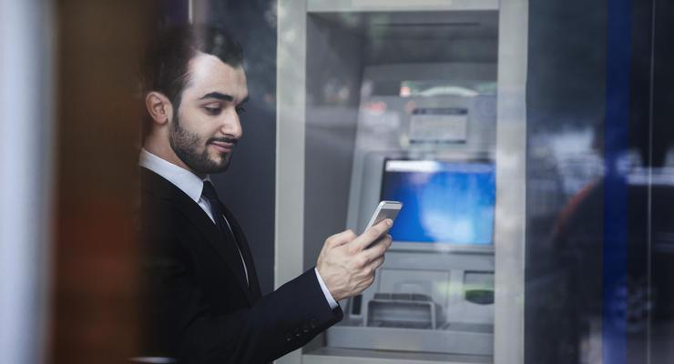 Карты VS смартфоны: В США набирают популярности мобильные банкоматы