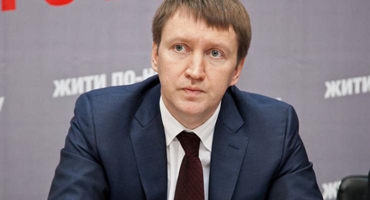 Действующий парламент не разрешит продавать землю - Кутовой