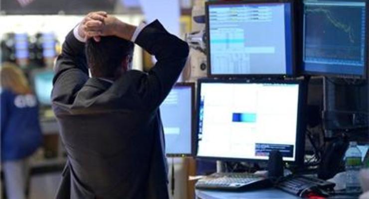 Объем торгов на украинских биржах сократился на треть