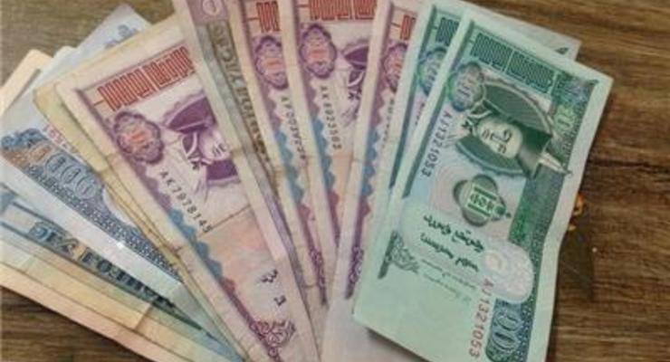 Названа самая худшая валюта августа