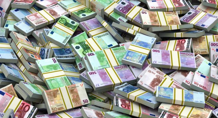 Неожиданный клад: На свалке в Польше нашли пачки денег