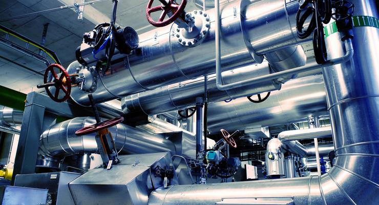 В Украине начали выпуск бензина Евро-5