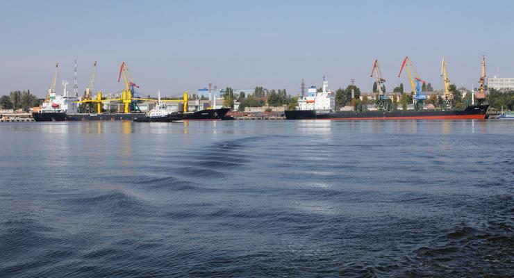 Генпрокуратура проводит обыски в порту Николаева