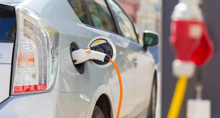 Количество электромобилей в Украине будет расти - эксперты