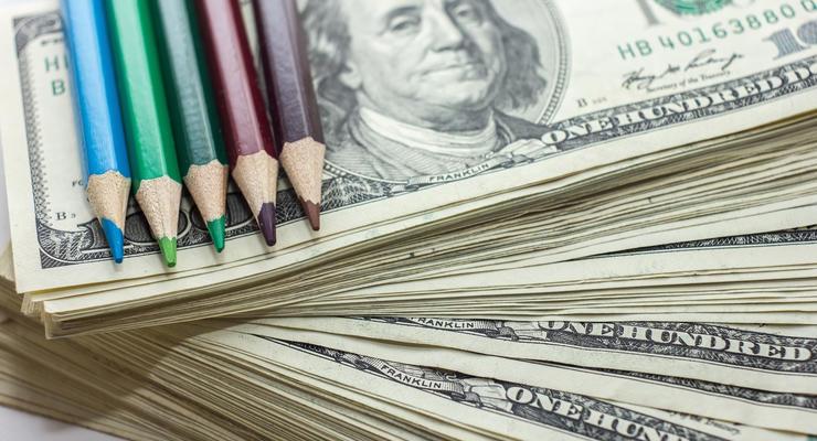 Как уберечься от фальшивых долларов и евро - эксперт