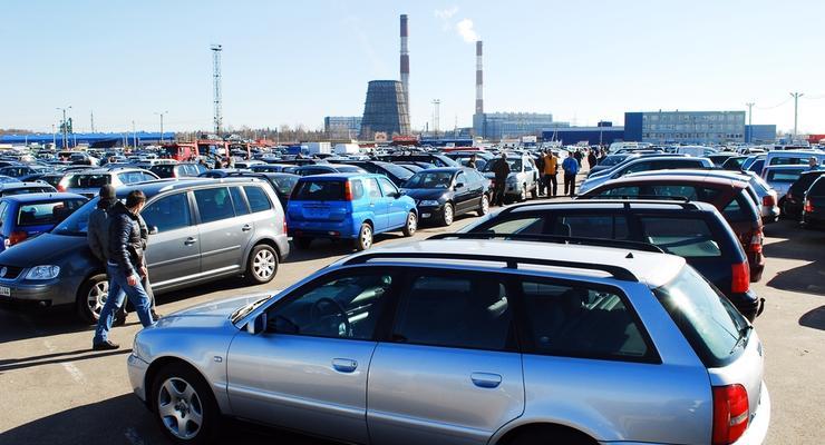 Украинцы стали чаще покупать подержанные автомобили