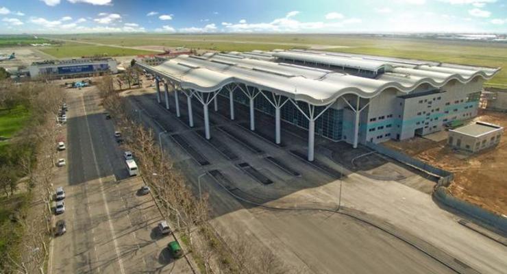 Одесский горсовет вернул аэропорт в коммунальную собственность