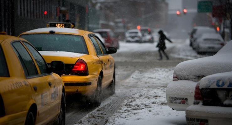 Непогода взвинтила цены на такси в Киеве