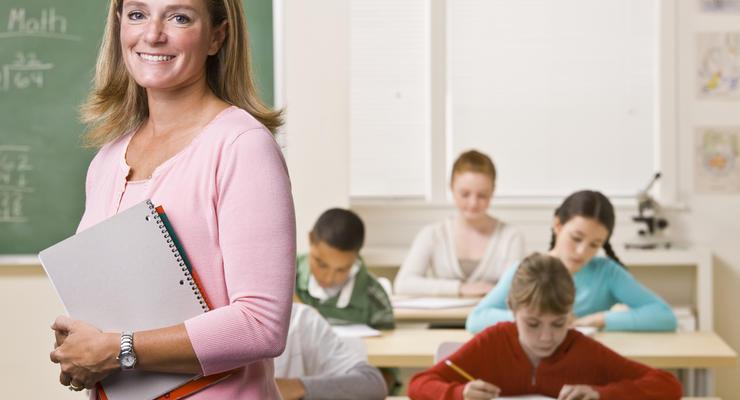 Зарплаты учителей в 2017 году вырастут на 50%