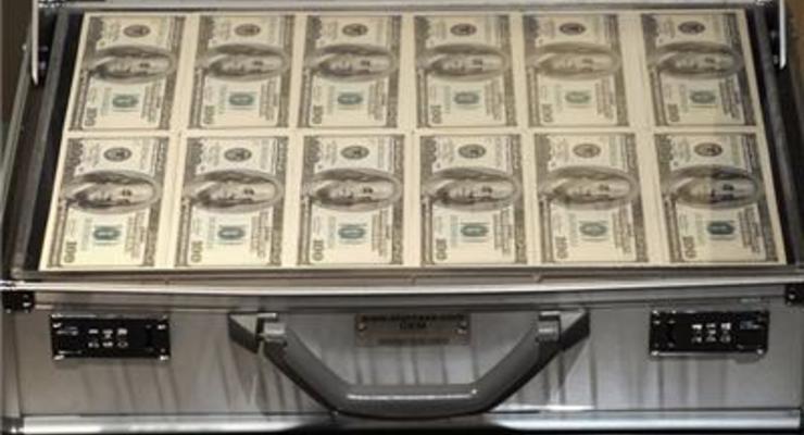 Наличный доллар подешевел на 10 копеек