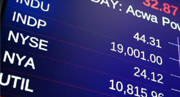 Dow Jones Industrial Average впервые превысил 19 тыс пунктов