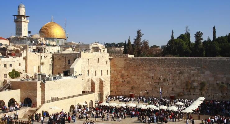 Порошенко одобрил временное трудоустройство украинцев в Израиле