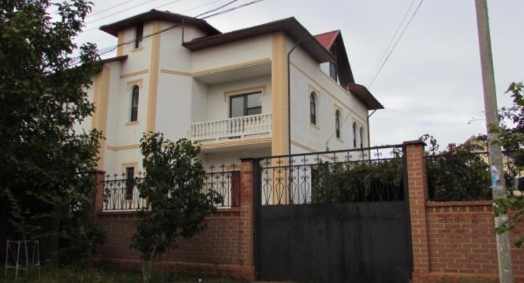 Активисты показали элитную недвижимость семьи одесских судей