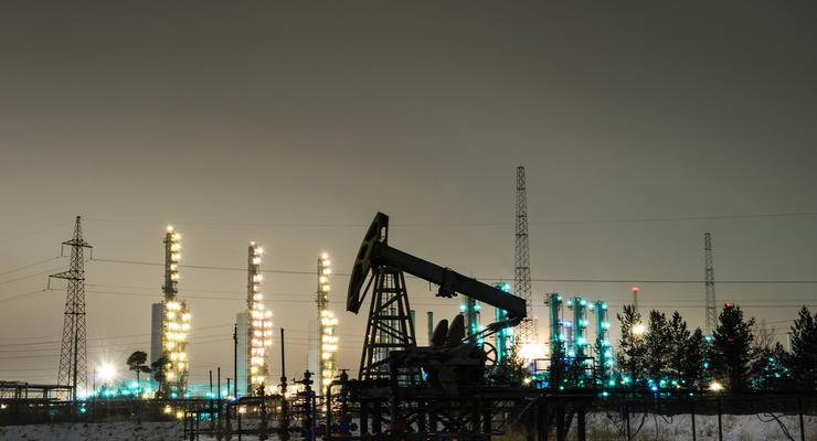 Цены на нефть остались в пределах 53 долларов за баррель