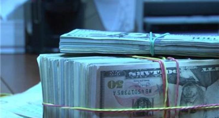Суд наложил арест на 600 тысяч долларов в деле Укргазбанка