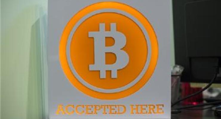 Курс биткоина превысил 1 тысячу долларов