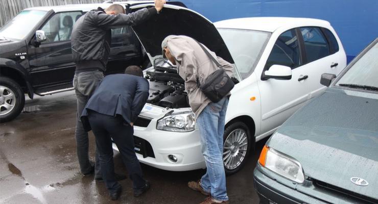 Украинцы начали скупать б/у автомобили