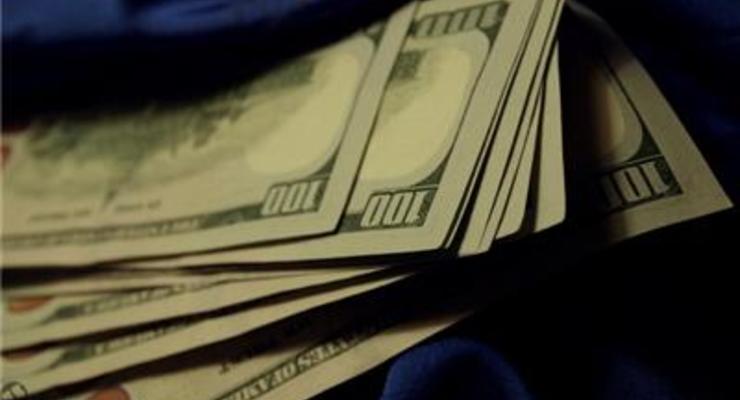 В прошлом году украинцы продали на 2,5 миллиарда валюты больше, чем купили
