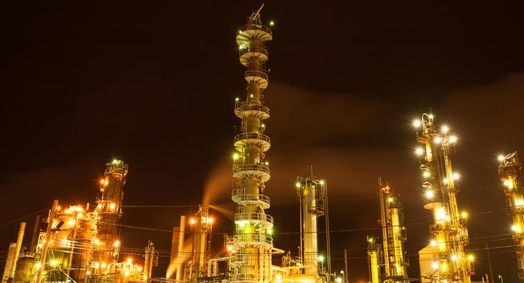 Нефть дорожает на сокращении буровых установок в США