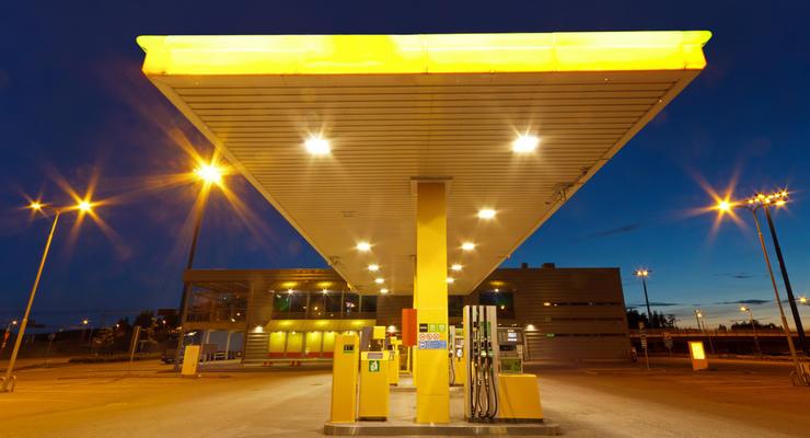 На украинских АЗС снижаются цены на газ
