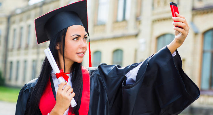 Украинцы рассказали, нужен ли диплом для успешной карьеры