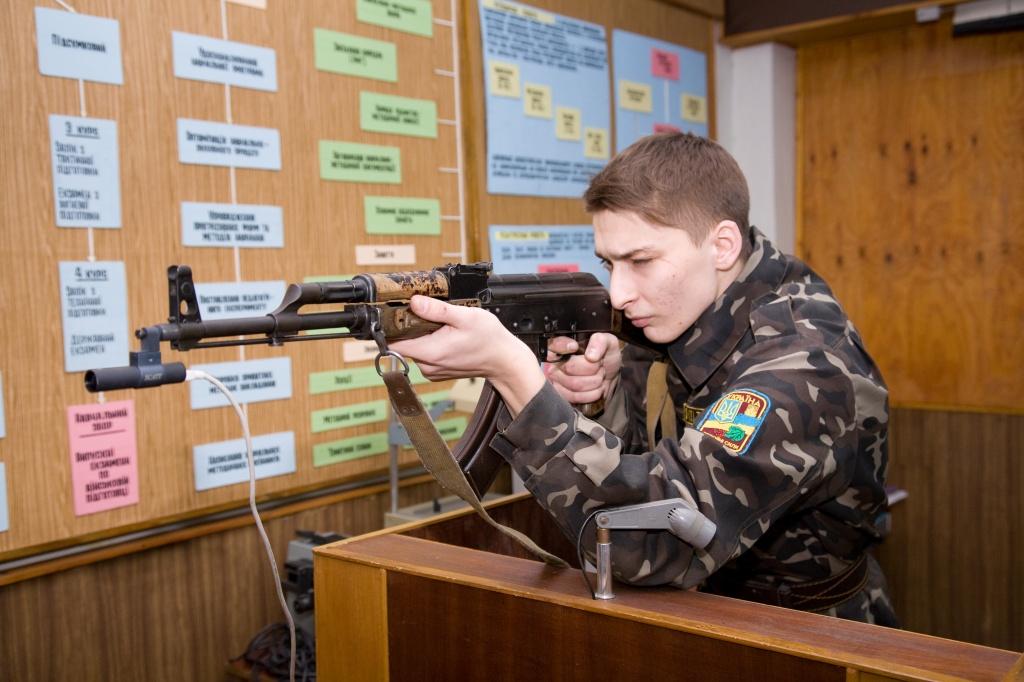 Выпускников военной кафедры будут призывать в армию