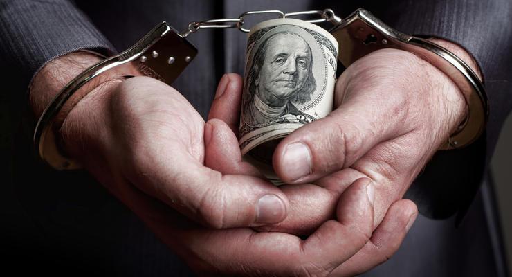 Чиновник Нацбанка требовал взятку в размере 35 тысяч долларов