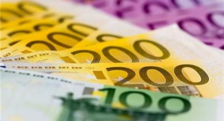 Котировки доллара на межбанке упали до 26,96/27,00
