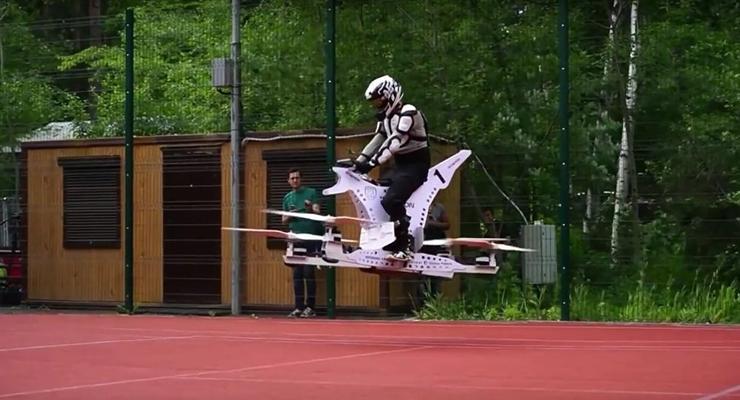В России провели испытания летающего мотоцикла