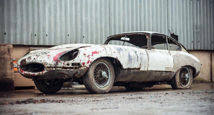 Старый и ржавый Jaguar хотят продать за 1,3 миллиона гривен