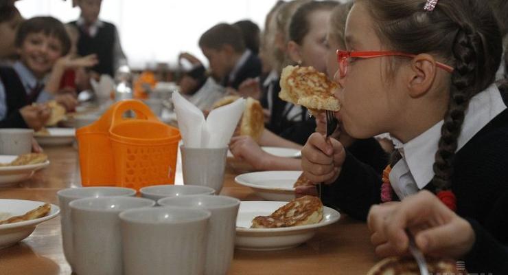 В киевских школах и детсадах повысят цены на питание